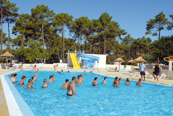 Rservation mobilhome 6 pers gironde camping les embruns for Piscine embrun