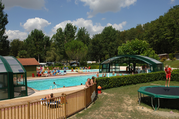 Camping le talouch midi pyr n es for Camping toulouse piscine