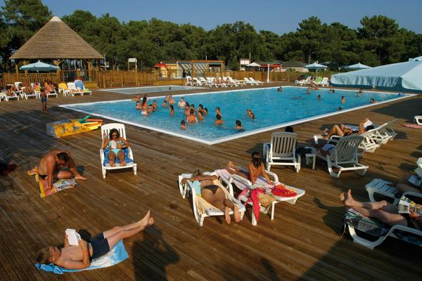 Rservation chalet grand confort 5 6 pers haute corse for Camping corse bastia avec piscine